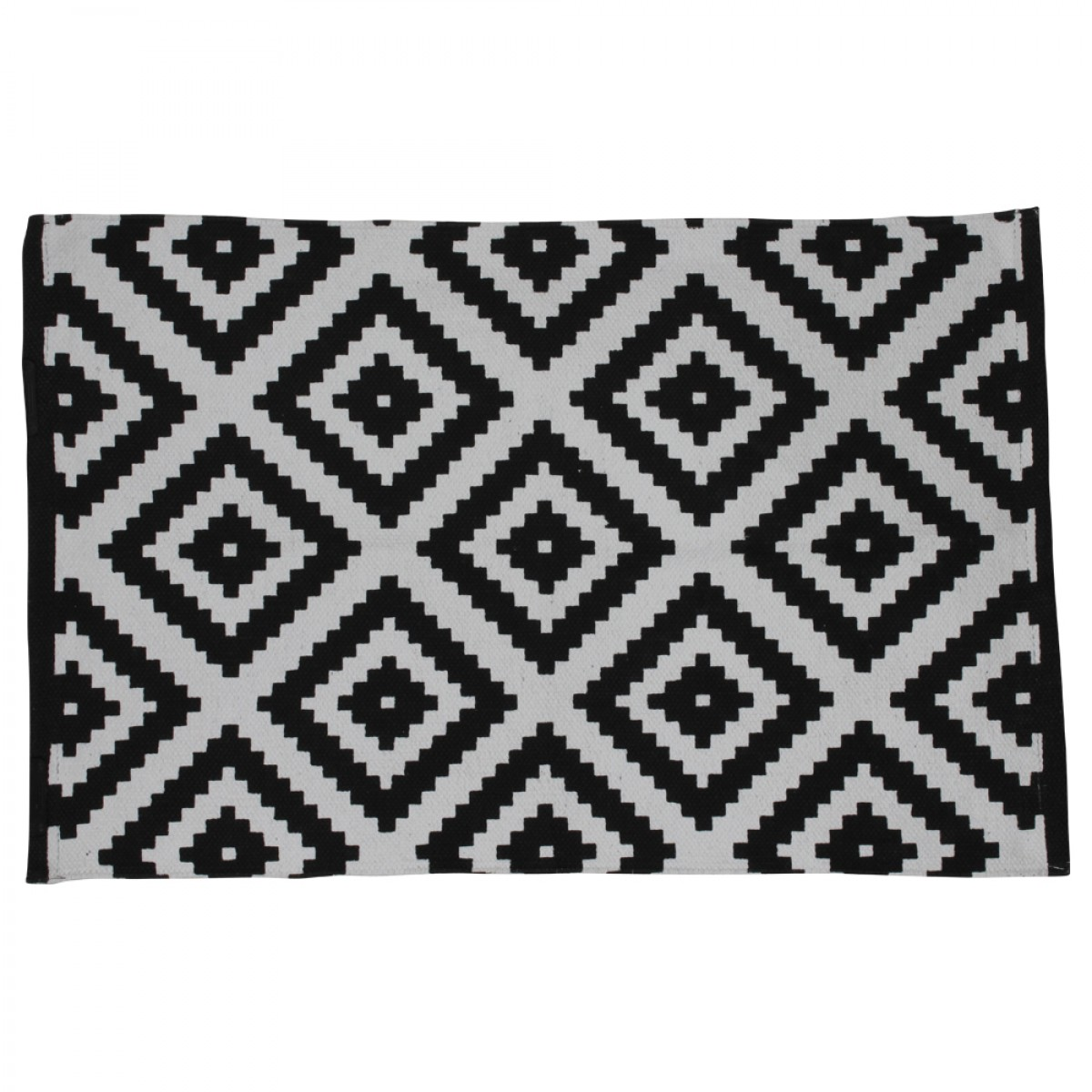 tapis motif losanges blanc et noir d co scandinave mooviin. Black Bedroom Furniture Sets. Home Design Ideas